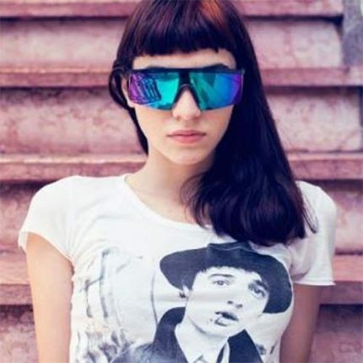 36494865a5025 Óculos de Sol Azul Marinho com Lente Azul Espelhada MAMANI Absurda